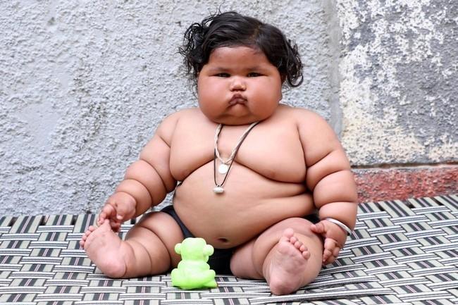 Хороший метаболизм большинства малышей позволяет им кушать сладости и выпечку, не опасаясь ожирения.