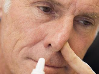 Если речь идет о врожденной патологии строения дыхательных путей или симптоме, вызванным травмой носа, использование капель будет неэффективным. Подобные недостатки исправляются только путем хирургического вмешательства.