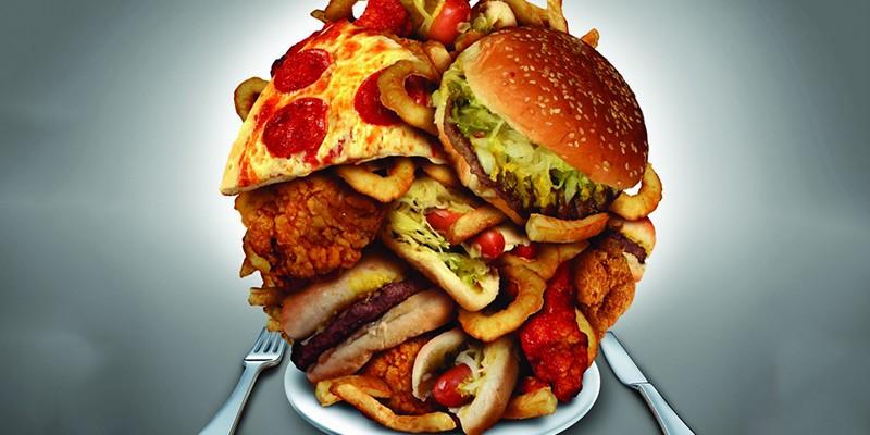 неправильное питание: переедание, слишком калорийная пища, отсутствие в рационе овощей и фруктов; на ночь не стоит употреблять калорийную пищу, кофе, крепкий чай, энергетические напитки, курить;