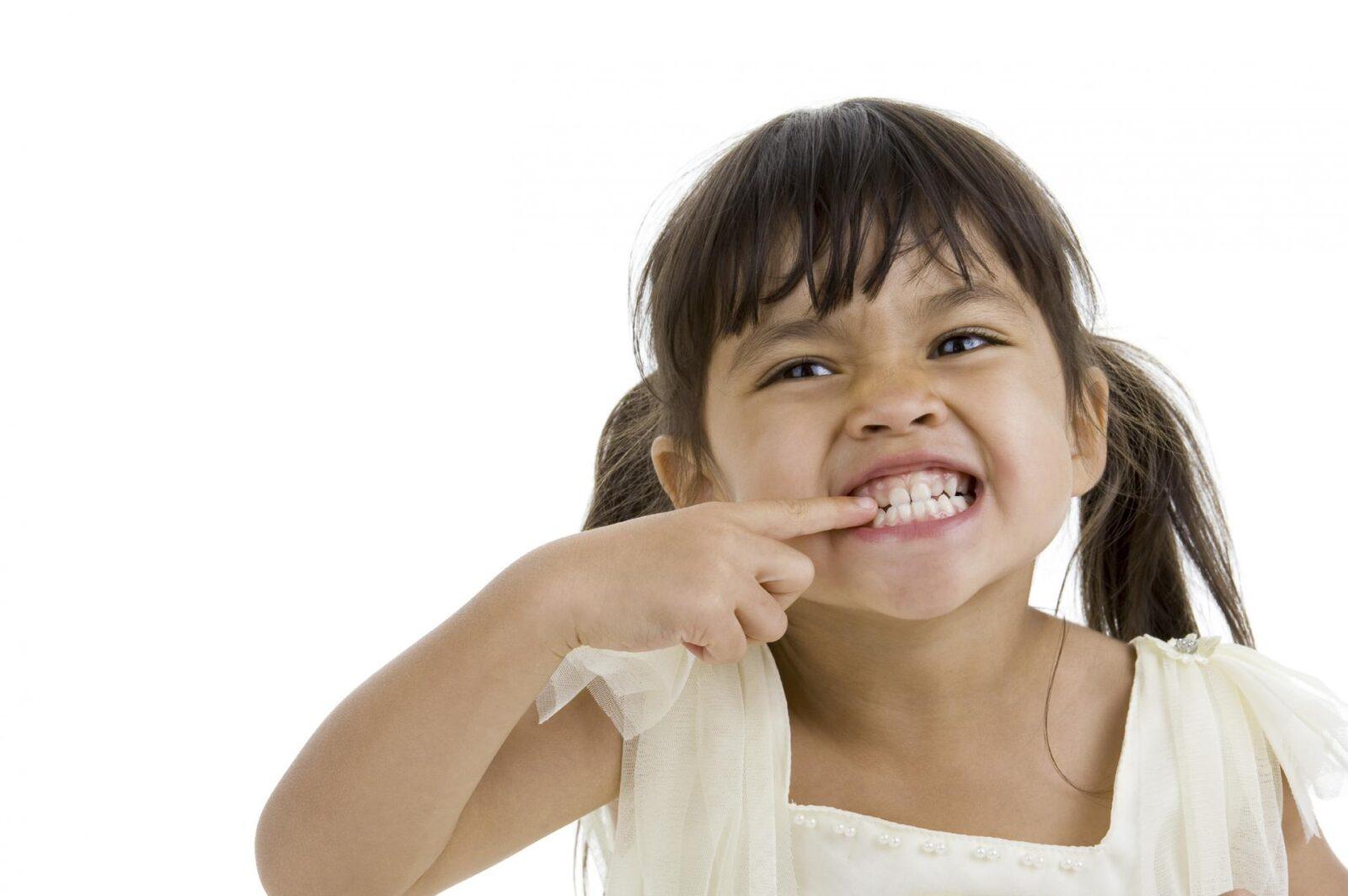 Последствия бруксизма связаны со стоматологией, хотя страдают и другие системы организма, в зависимости от того, где была обнаружена патология в виде нарушения нормального функционирования.