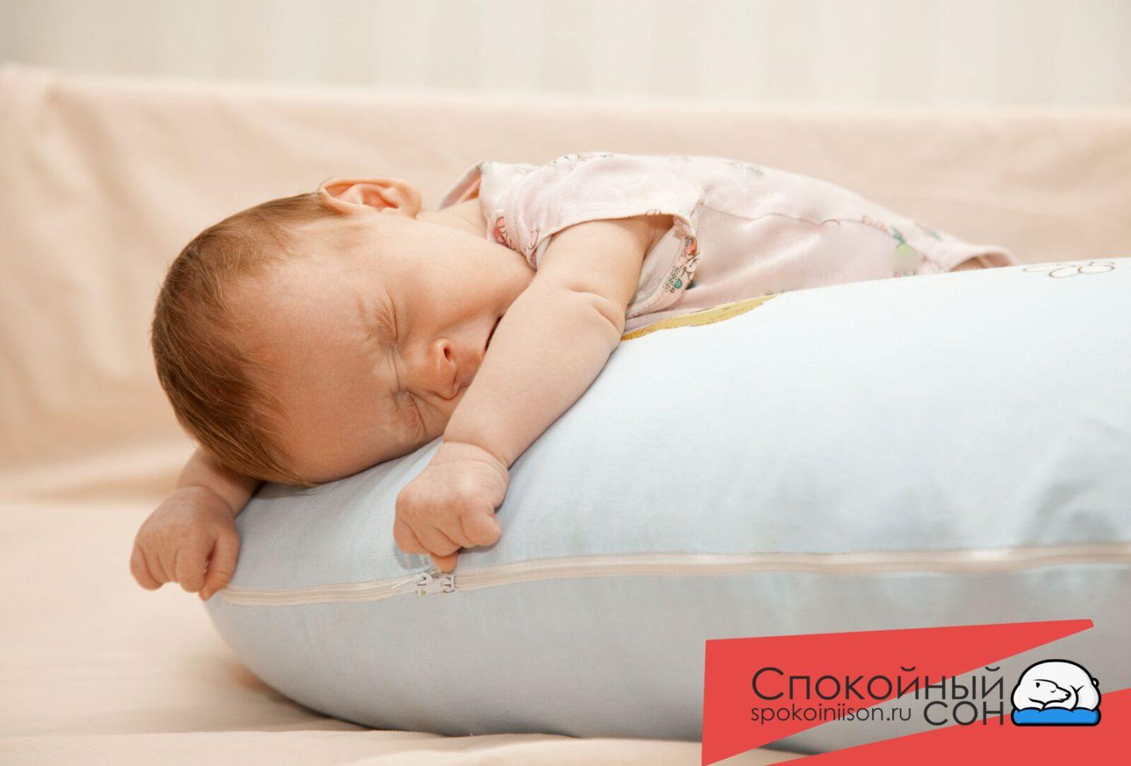 Если ребенок встает ранним утром, то есть с 6:00 до 8:00, дневной сон ему необходим для восстановления физического и психоэмоционального состояния.