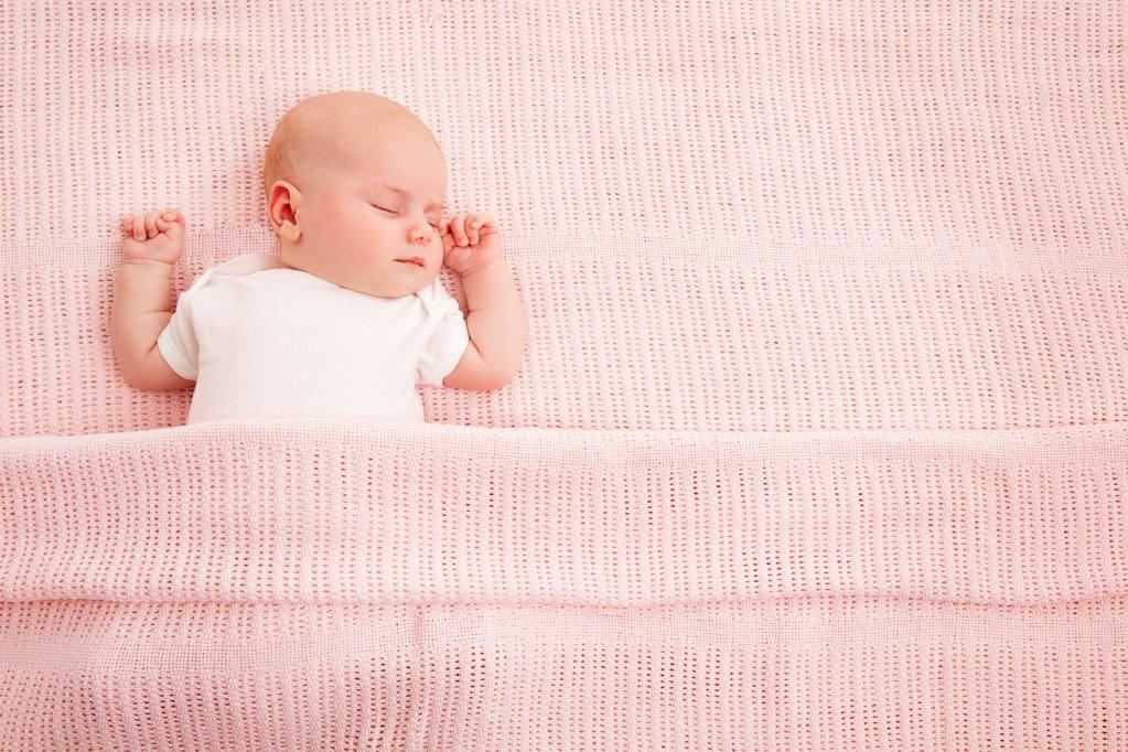 Каждый ребенок может перепутать время суток, независимо от возраста. У кого-то это случается в 2-4 года, в редких случаях в 5-6 лет.