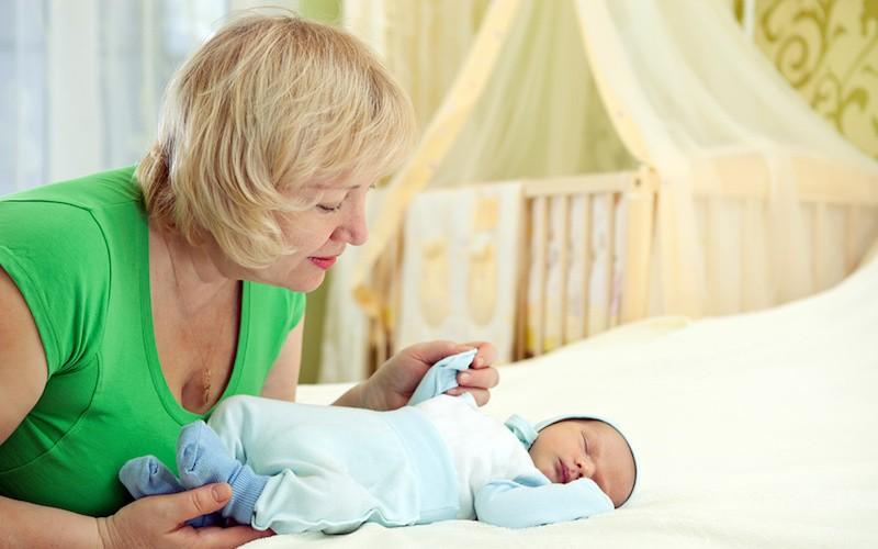 Некоторые из «бабушкиных» советов могут показаться странными, однако отзывы родителей говорят о том, что это не мешает их эффективности