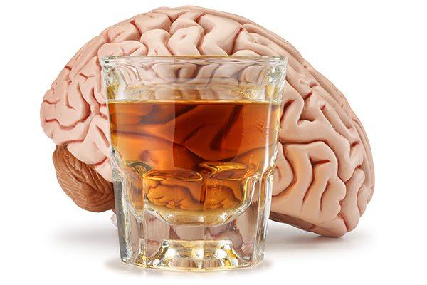 Даже единичное употребление содержащих алкоголь напитков приводит к значительному снижению качества жизни на следующий день. Снижается уровень концентрации Наблюдается спад общей производительности Замедляется реакция Появляется усталость сразу после просыпания Отсутствует утренняя бодрость