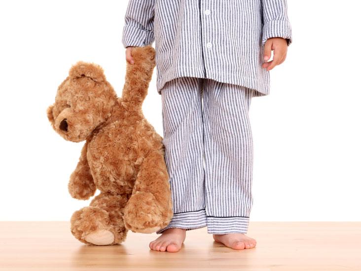 Сомнамбулизм у детей и взрослых – это процесс, когда человек проявляет активность, несвойственную состоянию сна, но при этом не просыпается.