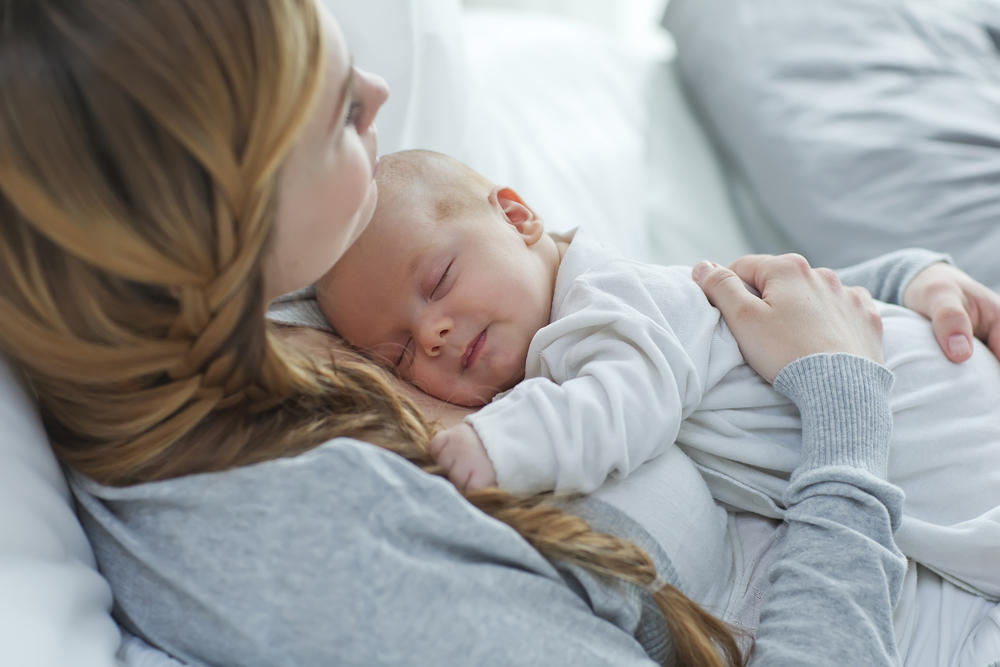 Если сонное время новорожденного подчиняется собственным законам, то отдых детей с трех месяцев максимально приближен к цикличности сна взрослого человека.