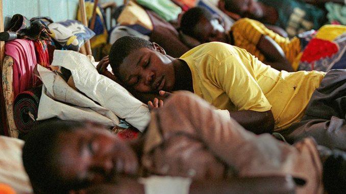 В летаргический сон впадали миллионы людей по всей Европе, и не более трети из них смогли снова проснуться.