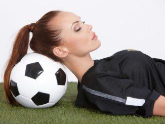 В результате возникает вопрос, можно ли заниматься спортом перед сном.